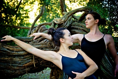 1 UPside Dance Tree Duet.2012. Di Desmond